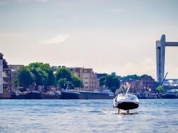 Seabubble op het water in Dordrecht